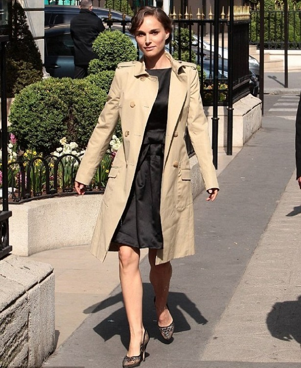 """""""Avenue Montaigne, in the heart of Champs Elysées, is undoubtedly the most fashion street that gathers the excellence in Paris"""""""