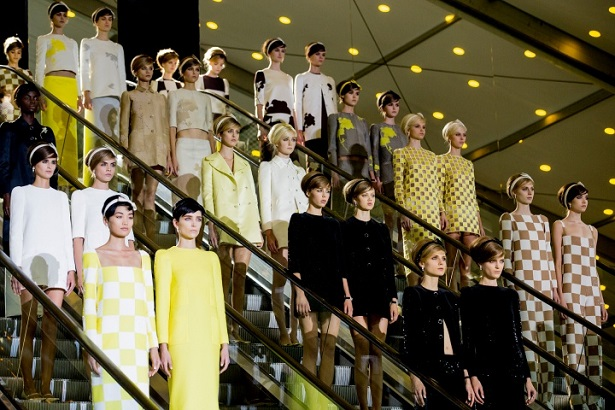 The best looks from the top fashion show in Paris. The best haute couture designers and brands: Channel, Louis Vuitton, Valentino, Chloé, Alexander McQueen, Miu Miu The Best Looks from Paris Fashion Week: Spring 2013 The Best Looks from Paris Fashion Week: Spring 2013 Paris Design Agenda Paris Fashion Show 2013 Louis Vuitton 01