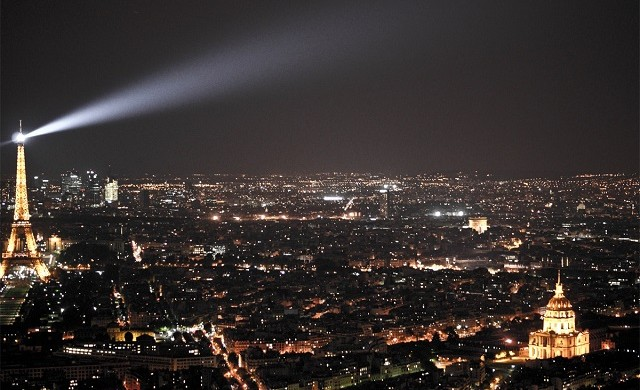 """""""When visiting Paris you must enjoy a sweeping panoramic view while you dine at Ciel de Paris Restaurant, located on the 56th floor of the Montparnasse Tower."""" Luxury and refinement: Restaurant Ciel de Paris Luxury and refinement: Restaurant Ciel de Paris Paris Design Agenda Ciel de Paris restaurant slide 640x390"""