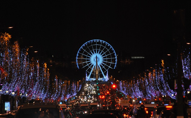 """Get the most out of Christmas with the guide of Paris biggest and best events that will definitely warm this holiday season."""
