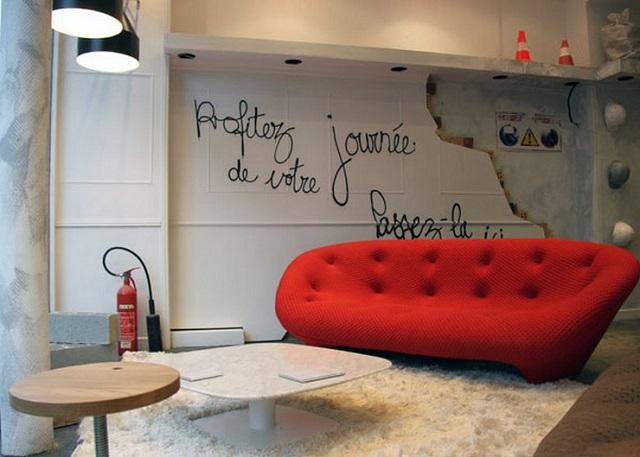 ligne roset new showroom in paris paris design agenda. Black Bedroom Furniture Sets. Home Design Ideas