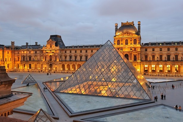 If you are thinking of spending Christmas or even the new year in Paris, here is a selection of the best places to visit in Paris. top 10 places to visit in paris Top 10 Places to visit in Paris louvre