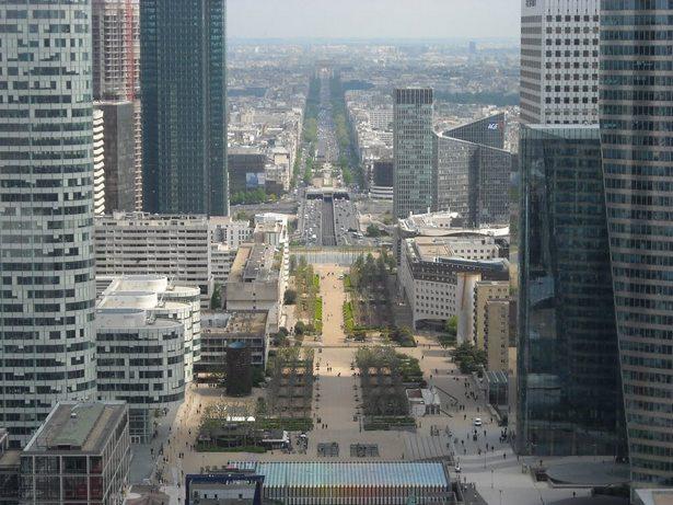 Grande Arche de La Défense  Were to go in Paris for a delightfull view  Were to go in Paris for a delightfull view Grande Arche de La D  fense