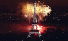 Celebrating New Year's Eve in Paris Celebrating New Year's Eve in Paris Celebrating New Year's Eve in Paris Celebrating New Years Eve in Paris 2 238x143