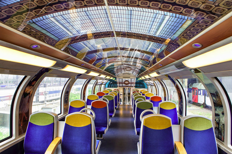 Famous Artwork In French Public Trains (10)