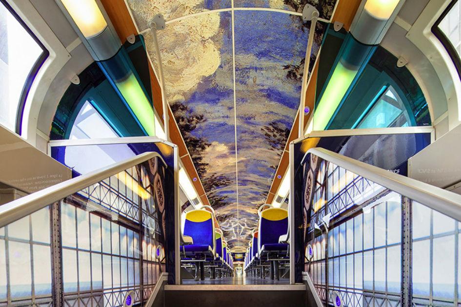 Artwork In French Public Trains (4)