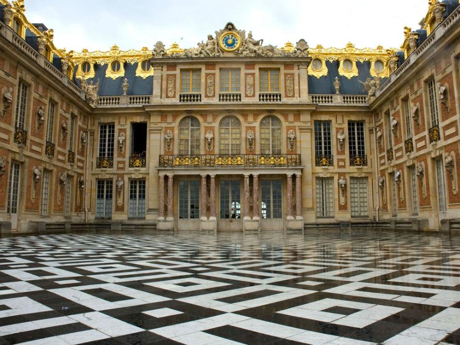Chef Alain Ducasse Opens New Restaurant in Versailles (1) Alain Ducasse Chef Alain Ducasse Opens New Restaurant in Versailles Chef Alain Ducasse Opens New Restaurant in Versailles 1