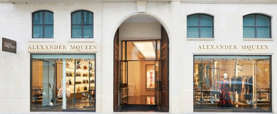 Design Icon: Awarded Alexander McQueen's Paris Boutique design icon Design Icon: Awarded Alexander McQueen's Paris Boutique Design Icon Awarded Alexander McQueens Paris Boutique 1 f 944x390