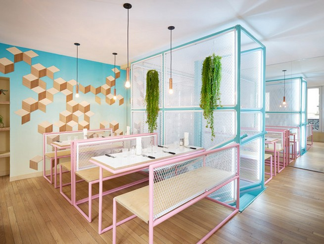 A Paris Restaurant That Serves Tasty Burgers And Colorful Interiors (13)
