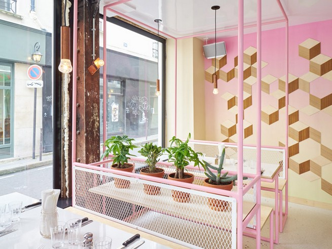 A Restaurant In Paris That Serves Tasty Burgers And Colorful Interiors (7)