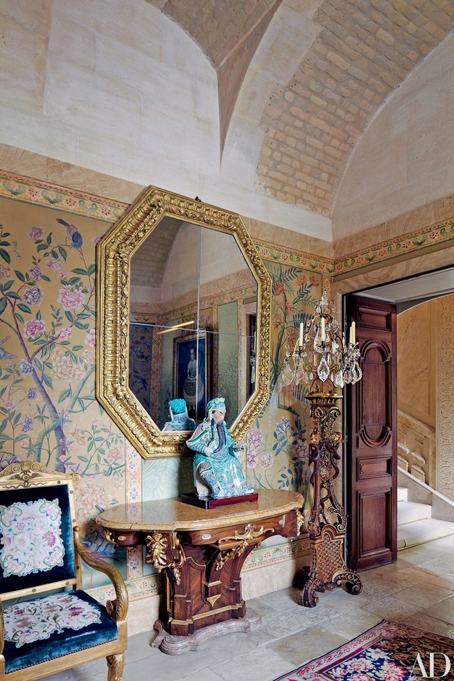 Inside Valentino Garavani's Paris home Paris Château Inside Valentino Garavani's Paris Château Inside Valentino Garavanis Paris Ch  teau 10