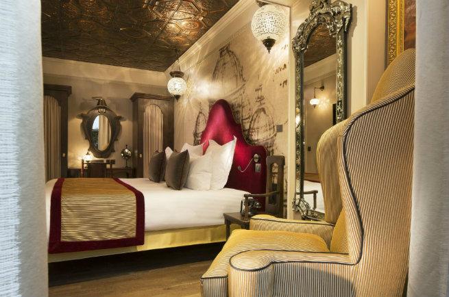 See The Stunning DA VINCI HOTEL interiors See The Stunning Interiors of Hotel da Vinci in Paris See The Stunning Interiors of Hotel da Vinci in Paris 6