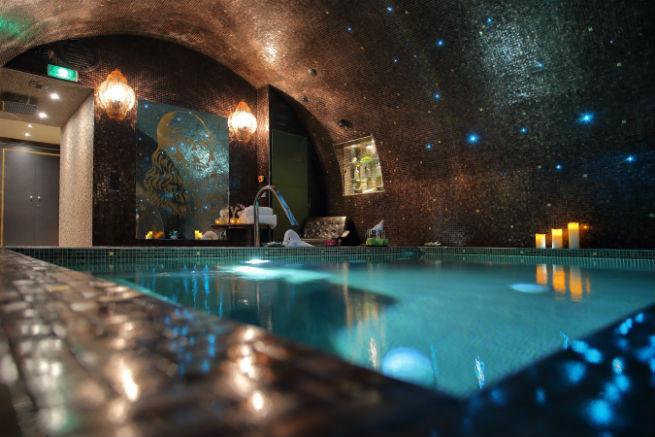 See The Stunning DA VINCI HOTEL interiors See The Stunning Interiors of Hotel da Vinci in Paris See The Stunning Interiors of Hotel da Vinci in Paris 9