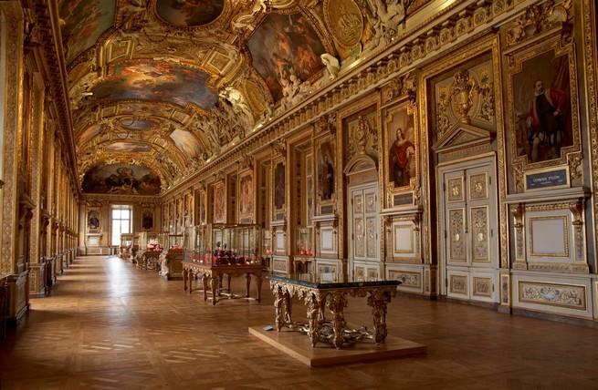 top-7-interiors-youll-love-to-visit-in-paris-louvre-museum