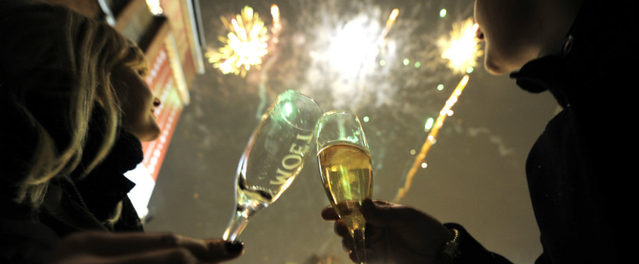 NEW YEAR'S EVE IN PARIS New Year's Eve Awesome New Year's Eve Parties in Paris Awesome New Years Eve Parties in Paris 7