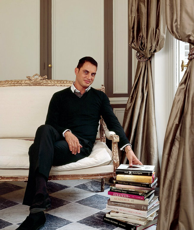See Inside Christopher Noto's Paris Residence paris residence See Inside Christopher Noto's Paris Residence See Inside Christopher Notos Paris Residence 6