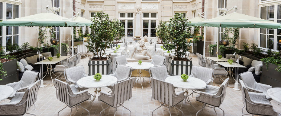 Where to Stay in Paris: The Newly Renovated Hôtel de Crillon where to stay in paris Where to Stay in Paris: The Newly Renovated Hôtel de Crillon 06 look inside newly renovated hotel de crillon