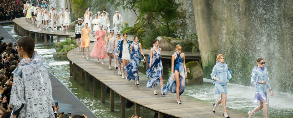 Paris Fashion Week: The Best Spring 2018 Looks by Chanel