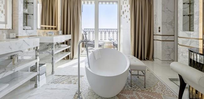 Be Amazed by the Unique Bathroom Suites of Hôtel de Paris Monte-Carlo 3