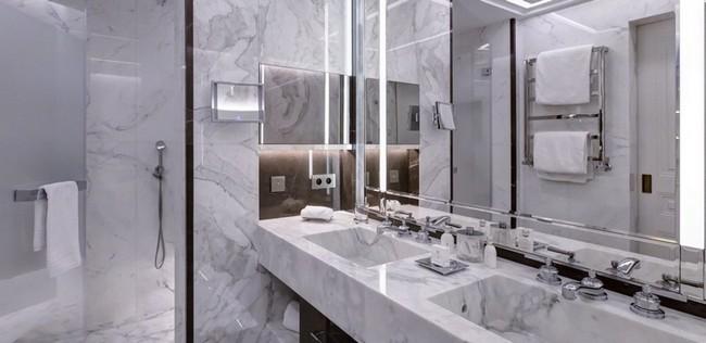 Be Amazed by the Unique Bathroom Suites of Hotel de Paris Monte-Carlo 5