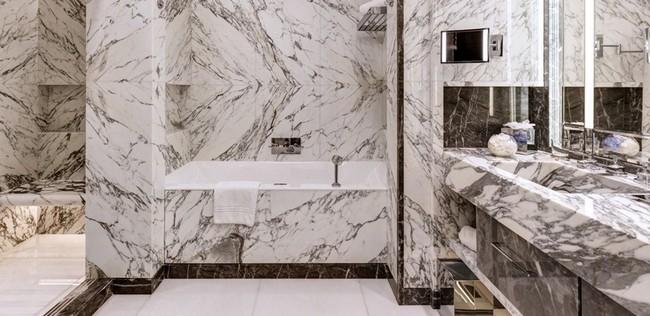 Be Amazed by the Unique Bathroom Suites of Hôtel de Paris Monte-Carlo 6