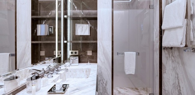 Be Amazed by the Unique Bathroom Suites of Hotel de Paris Monte-Carlo 8
