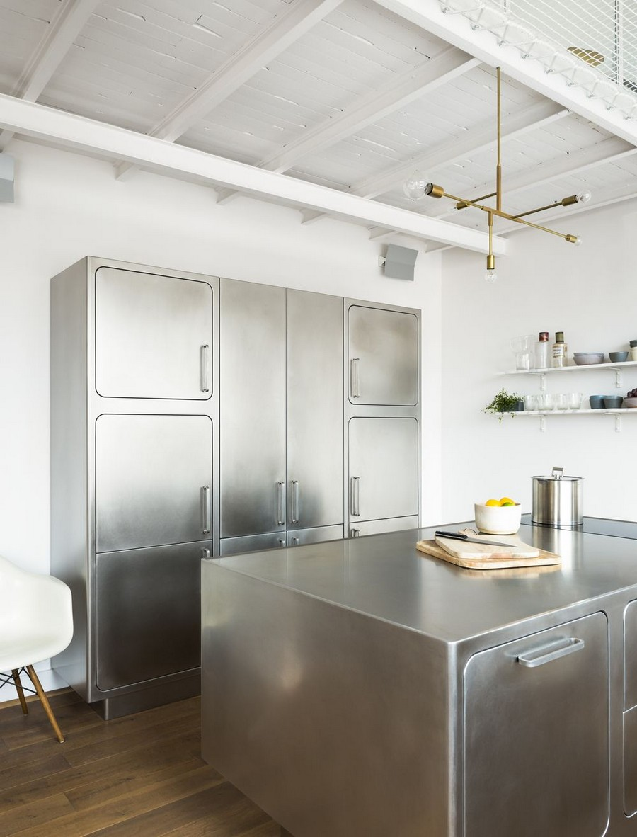 You'll Truly Love the Industrial Style Kitchen of this Parisian Loft 1 Industrial Style Kitchen This Industrial Style Kitchen Will Be the Division of Your Dreams Youll Truly Love the Industrial Style Kitchen of this Parisian Loft 1