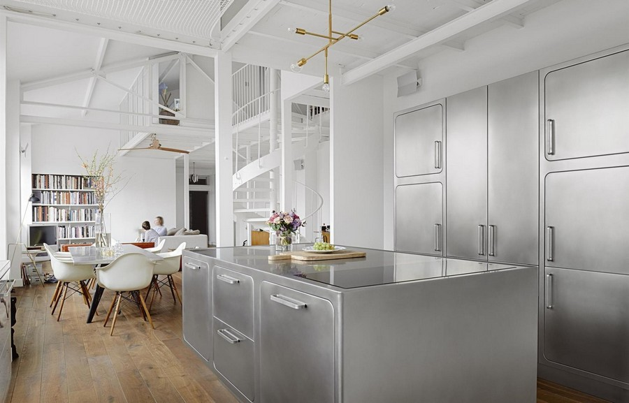 You'll Truly Love the Industrial Style Kitchen of this Parisian Loft 3 Industrial Style Kitchen This Industrial Style Kitchen Will Be the Division of Your Dreams Youll Truly Love the Industrial Style Kitchen of this Parisian Loft 3