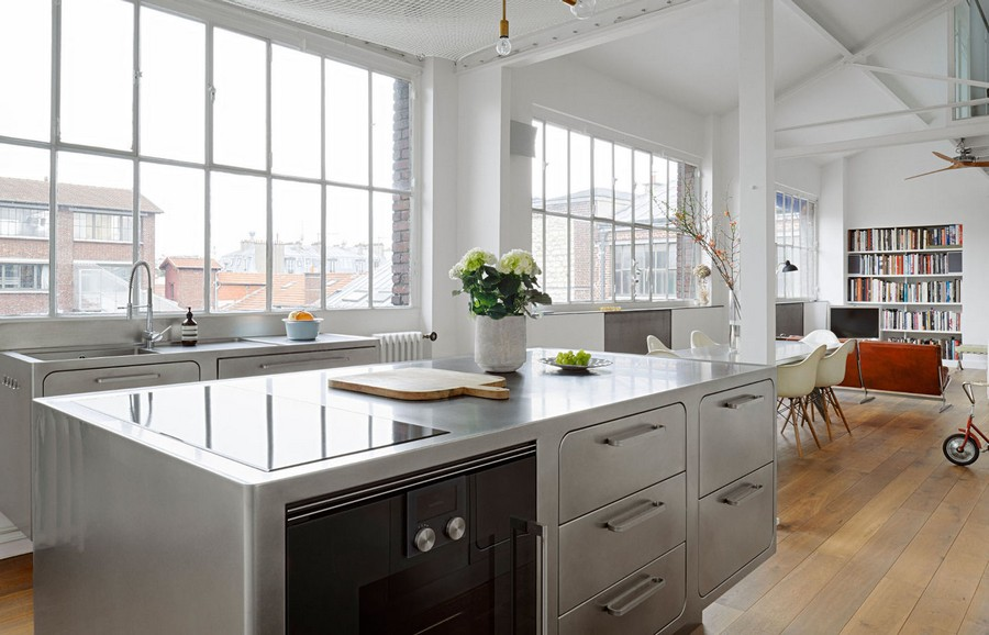 You'll Truly Love the Industrial Style Kitchen of this Parisian Loft 6 Industrial Style Kitchen This Industrial Style Kitchen Will Be the Division of Your Dreams Youll Truly Love the Industrial Style Kitchen of this Parisian Loft 6