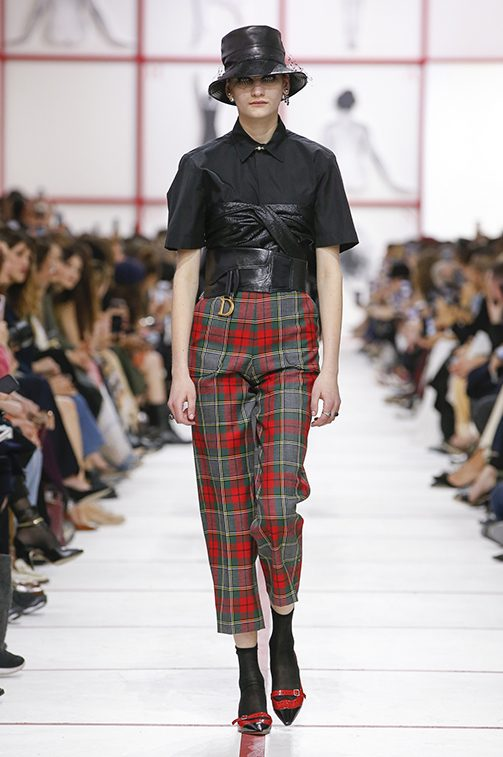 Explore The Top Designers And Their Trends At 2019 Paris Fashion Week 2019 paris fashion week Explore The Top Designers And Their Trends At 2019 Paris Fashion Week dior e1551351173810