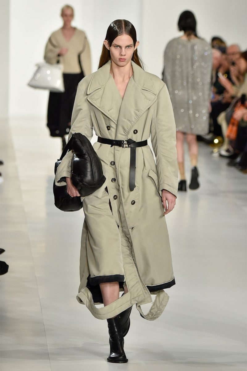 Explore The Top Designers And Their Trends At 2019 Paris Fashion Week 2019 paris fashion week Explore The Top Designers And Their Trends At 2019 Paris Fashion Week maison margiela e1551351110564