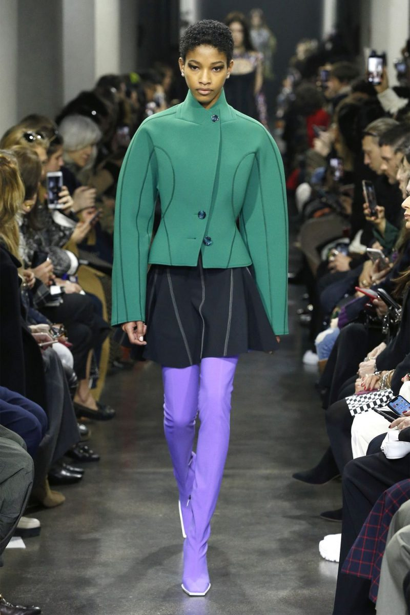 Explore The Top Designers And Their Trends At 2019 Paris Fashion Week 2019 paris fashion week Explore The Top Designers And Their Trends At 2019 Paris Fashion Week mugler e1551351195945