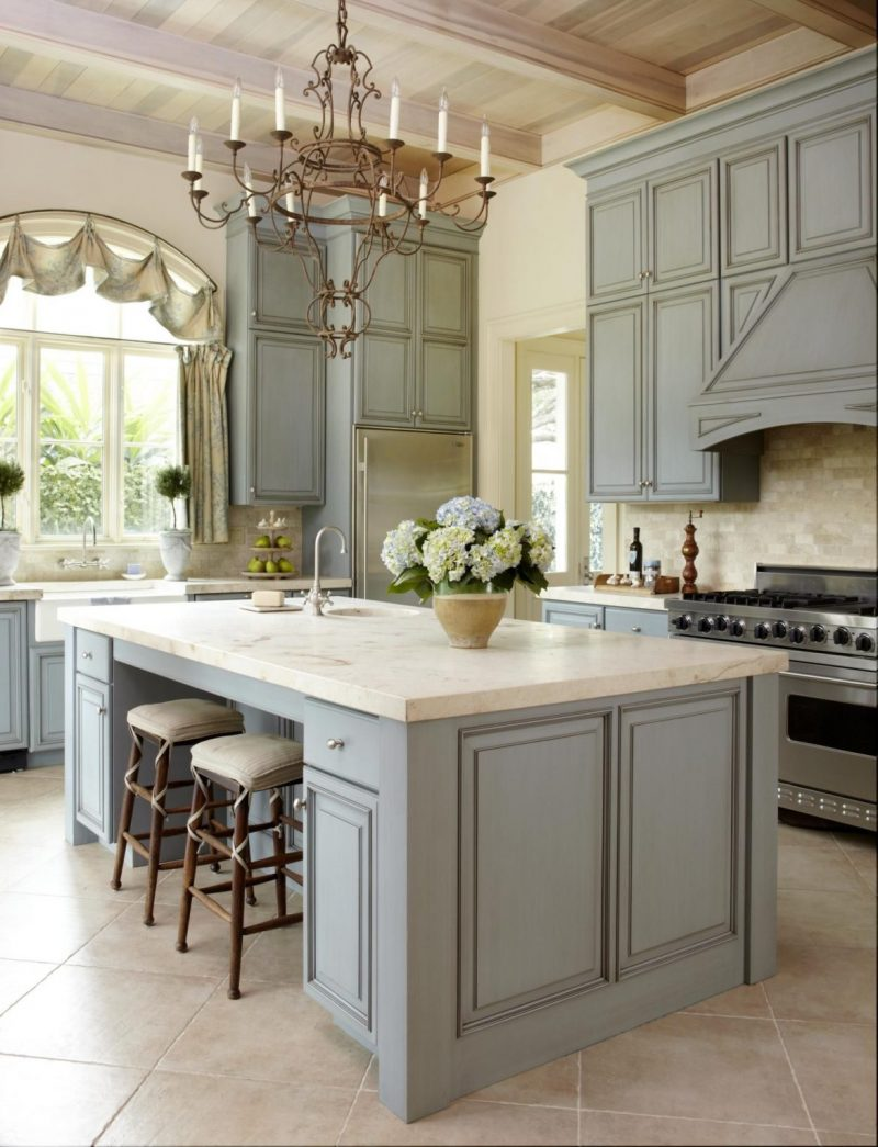5 Elements You Need In A French-Style Décor french style decor 5 Elements You Need In A French-Style Décor Muted tones for french country kitchen e1551951327149