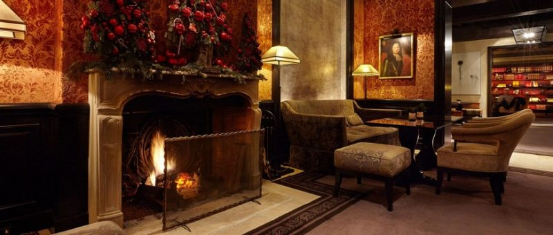 Fall In Love With The Sophisticated Fireplaces In These Paris Hotels fireplaces Fall In Love With The Sophisticated Fireplaces In These Paris Hotels Pavillon de la Reine e1557228430946