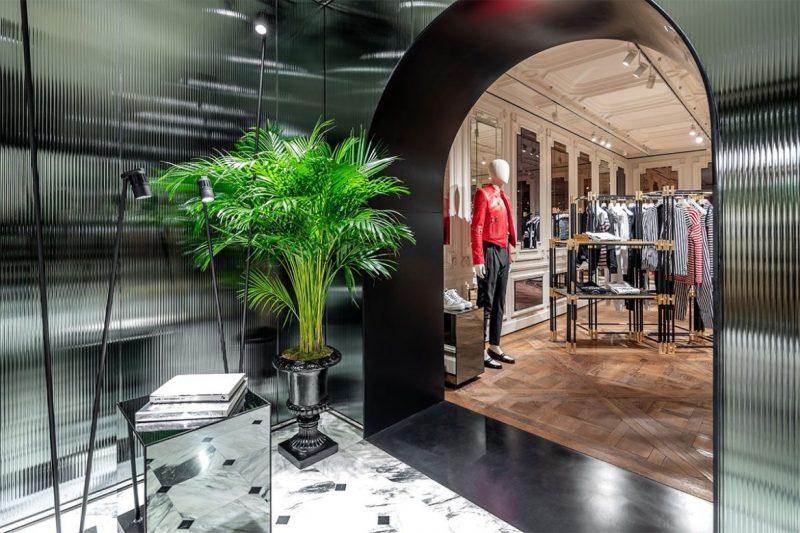 Behold The New Concept On Balmain's Paris Flagship Store balmain Behold The New Concept On Balmain's Paris Flagship Store balmain paris new flagship store 05 e1557220081139