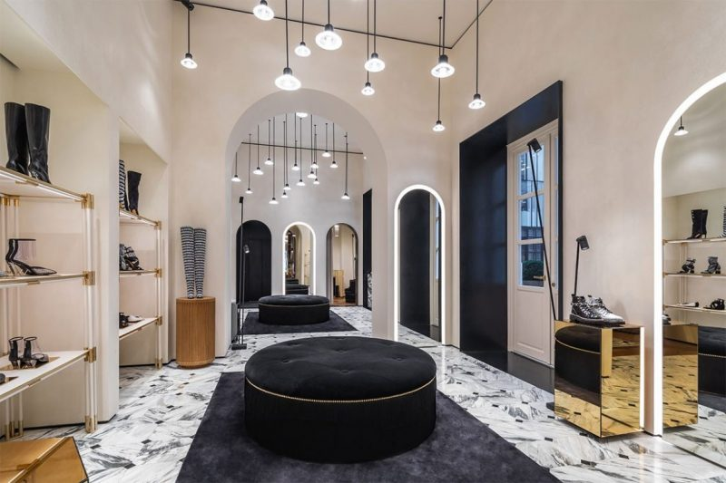 Behold The New Concept On Balmain's Paris Flagship Store balmain Behold The New Concept On Balmain's Paris Flagship Store balmain paris new flagship store 06 e1557220032314