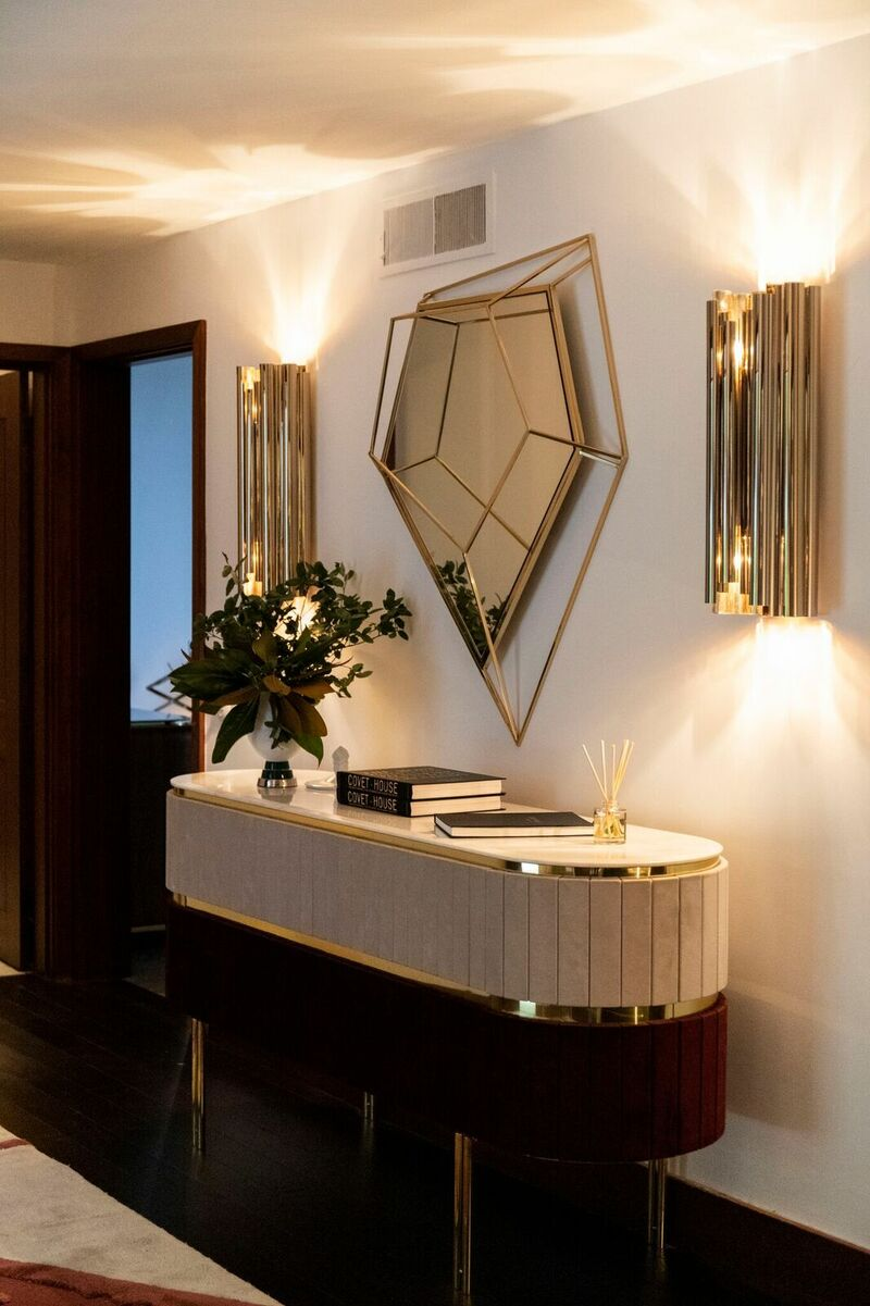 paris showroom Paris Showroom Sits On The Most Exclusive Modern Mid-Century Pieces 9xleC6OA