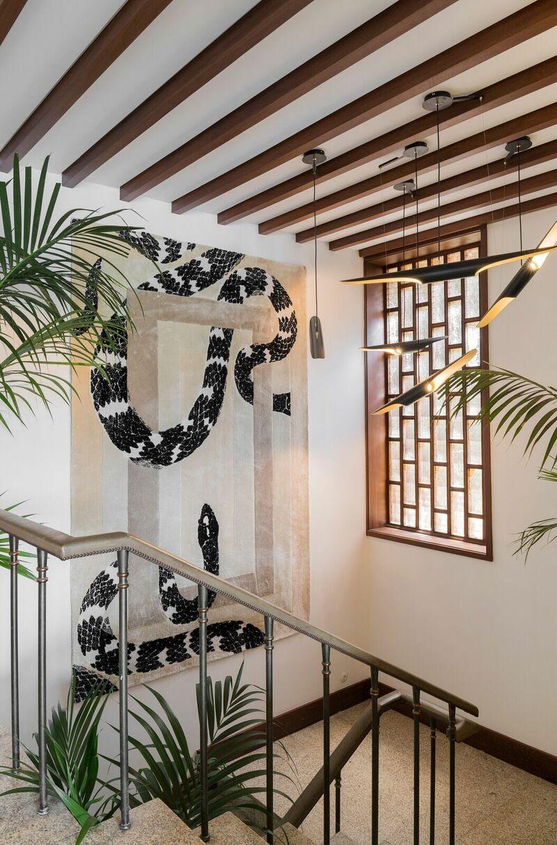 paris showroom Paris Showroom Sits On The Most Exclusive Modern Mid-Century Pieces pzD92eBQ